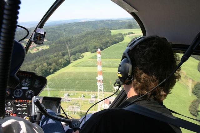 Überblick: Kontrollflug mit dem Helikopter.
